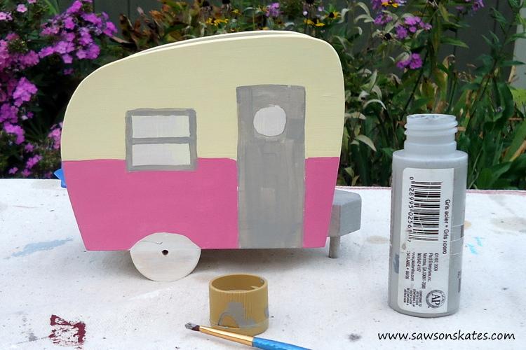 DIY Painted Wooden Vintage Camper Napkin Holder - Paint the camper 2