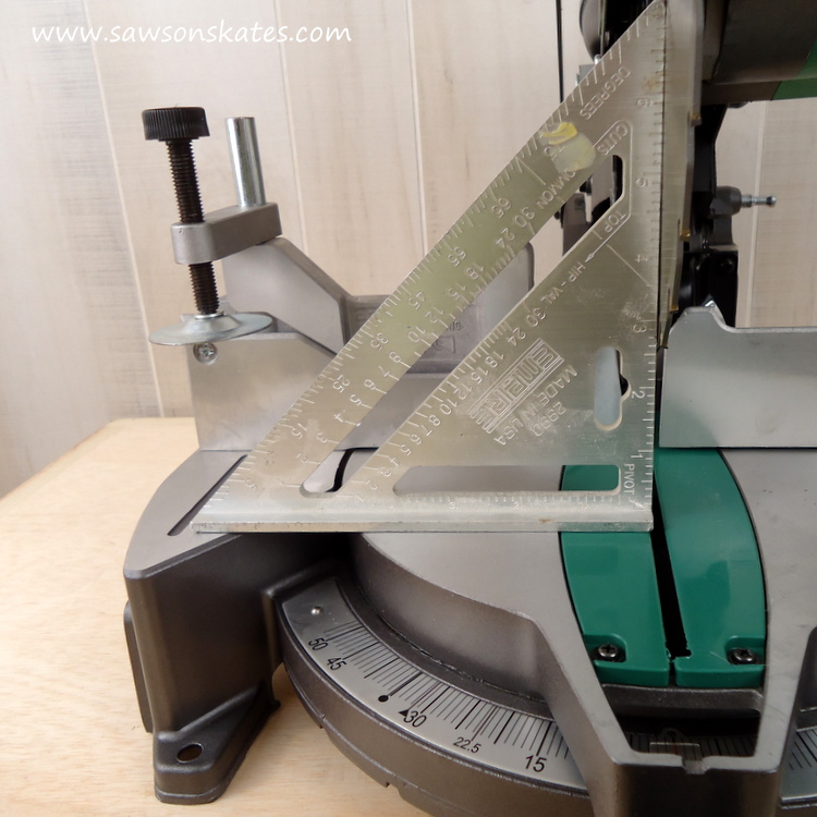 how-to-adjust-a-miter-saw-for-accurate-cuts-check-saw-blade