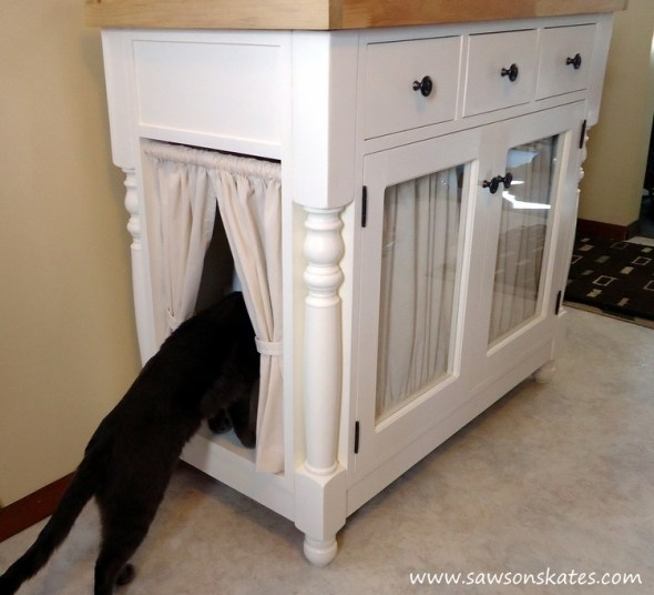 Kitties are cute, but kitty litter boxes are UGLY! This tutorial shows how to make a cabinet that hides a litter box and has extra storage for litter. Plus it's attractive enough to display in a kitchen or dining room!