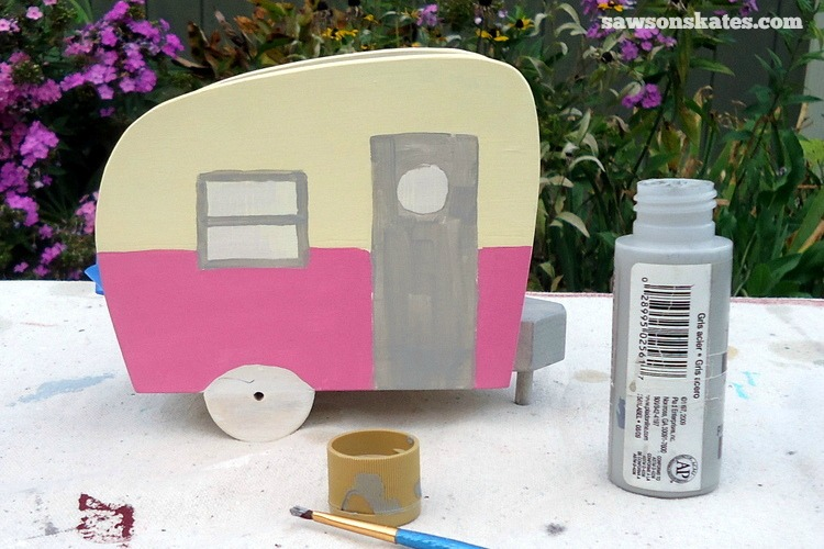 This simple trick will make you look like a freehand painting pro - It's difficult to cover a dark color with a light color, so it's best to apply light colors first and then follow with darker colors.