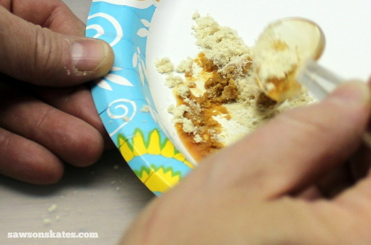 This easy to make DIY wood filler is perfect for filling nail holes, cracks or gaps in wood - if it's too dry add a little more shellac, if it's too wet add a little more sawdust