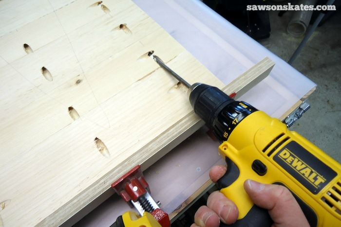 Apply glue to the edges of the retro nightstand side pieces, clamp and attach using 1-1/2