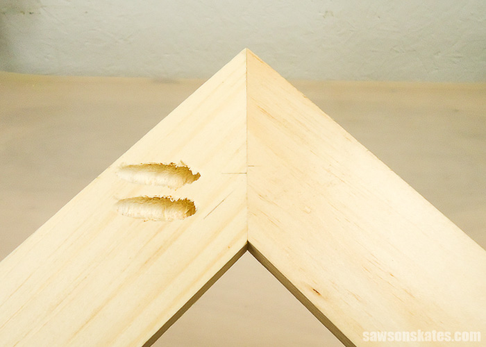 Drilling pocket holes on miter joints - Here's a look at a completed joint on a 1x3.