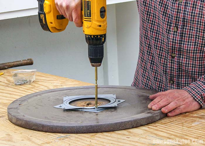 Attaching lazy susan hardware to make a spray paint turntable