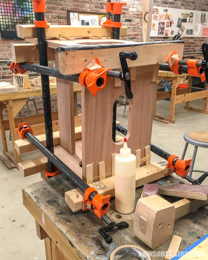 11 Places to Take Beginner Woodworking Classes (Online ...