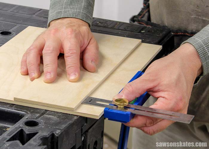 Positioning the fence on a DIY circular saw crosscut guide