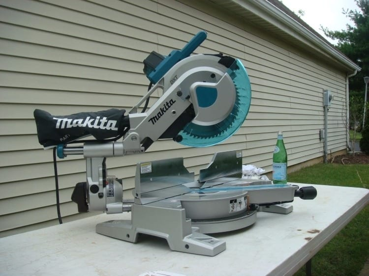 Makita 1016l Miter Saw