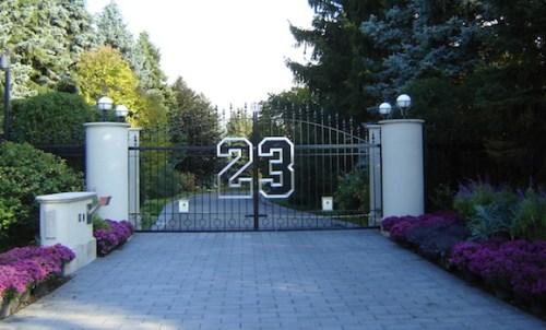 The gate leading to Michael Jordan's Highland Park mansion. (Handout)