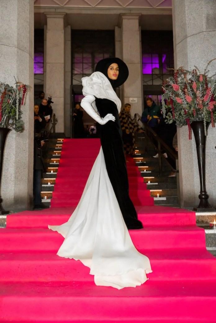 Rawdah Mohamed Somali Hijab-Wearing Model Who Became A Vogue Fashion Editor