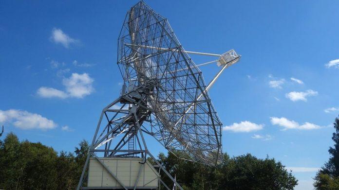 Strange Radio Waves Reach Earth