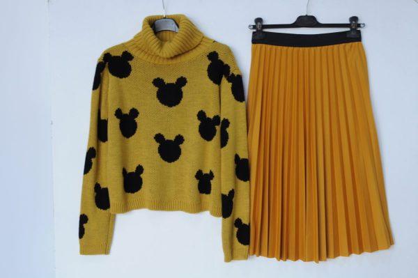Pulover Mickey Mustar cu guler