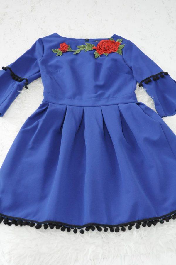 Rochie albastra cu flori si ciucuri
