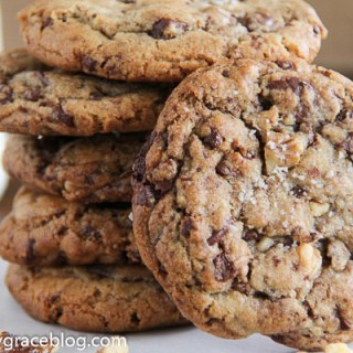 Chunky Chocolate Walnut Cookies