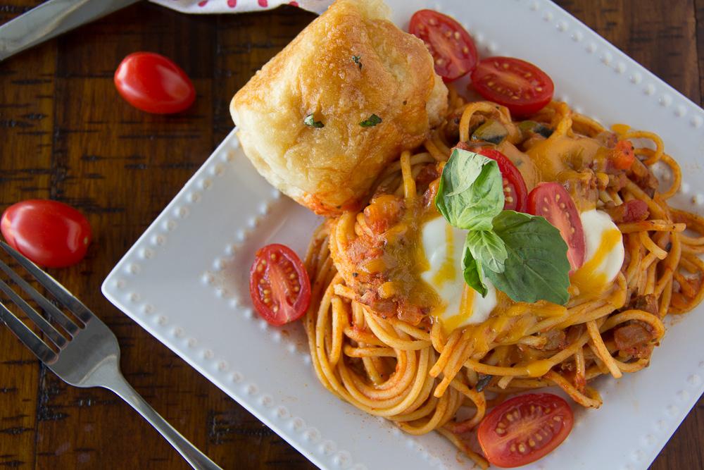 Skillet Turkey Spaghetti with Garlic Rolls