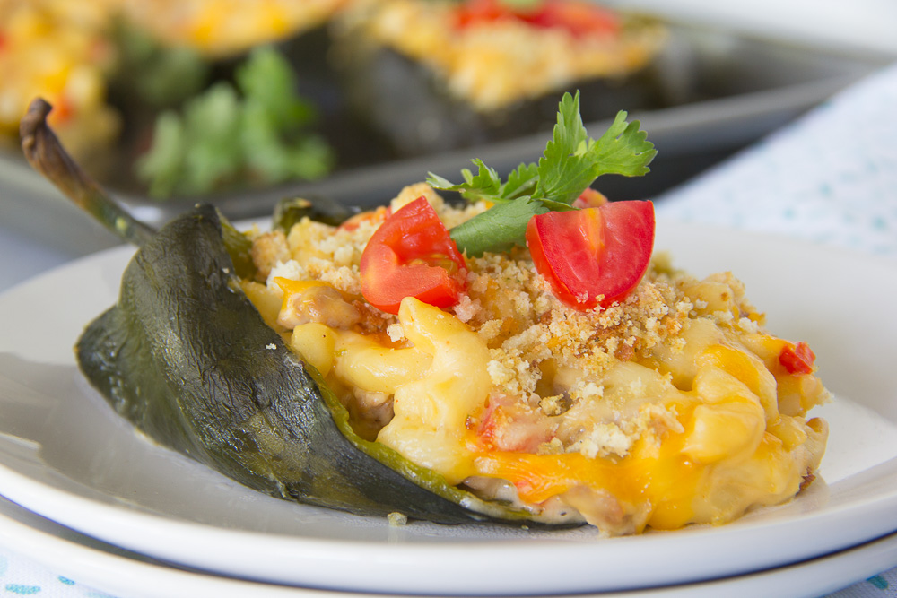 Meaty Mac and Cheese Stuffed Poblanos-4