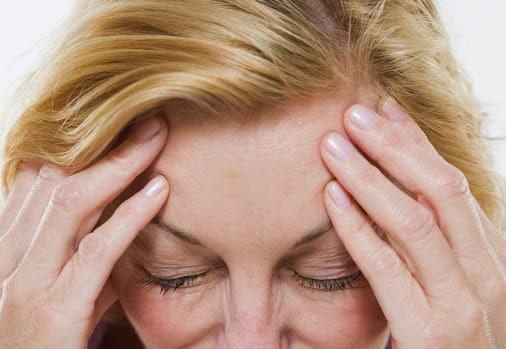 Лопнул сосуд в голове что делать. Что делать, если лопнул сосуд в голове: как вести себя в экстренной ситуации. Возрастные изменения в микроциркуляторном русле