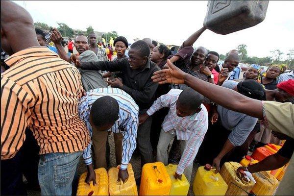 Fuel_Scarcity_Nigeria-600x400