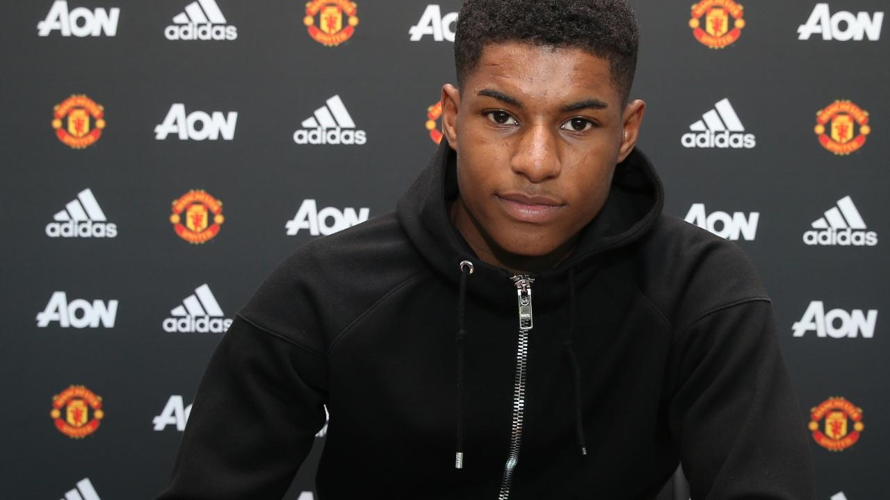 Rashford Signs New Deal At Manchester United