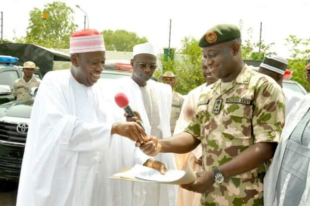 Gov. Dr. Ganduje Of Kano State Donates 16 Vans To Nigerian Army