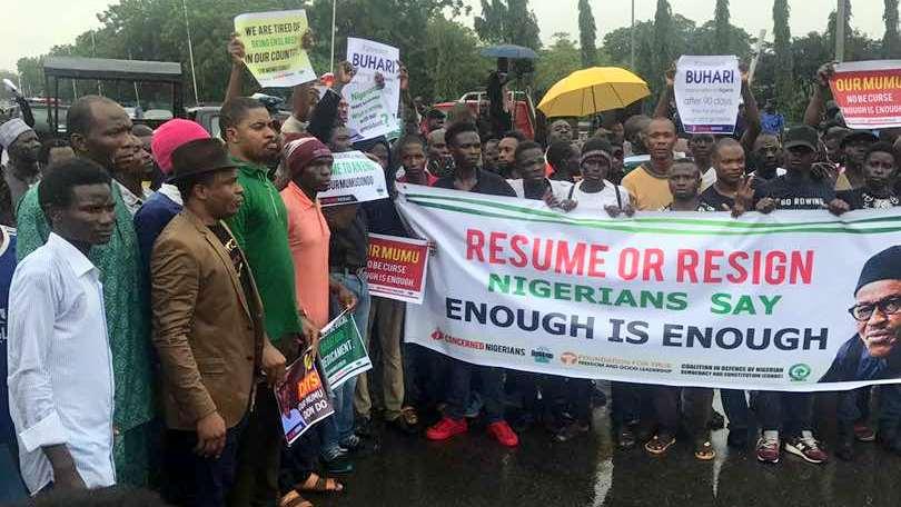 #ResumeOrResign: Senator Condemns Attack On Journalist By Nigerian Police