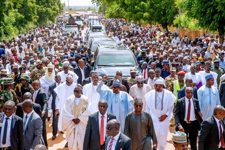 President Buhari Marks Eid-El-Adha With Prayers, 800 Meters Walk