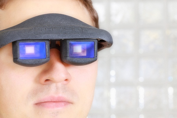 Glasses with OLED and eye-controlled microdisplay