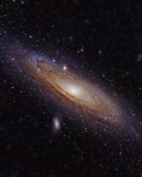 Andromeda Galaxy with tilt shift effect (Credit: Imgur)