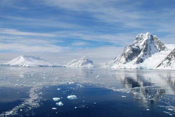 Antarctica (Credit: cloudzilla/Flickr)