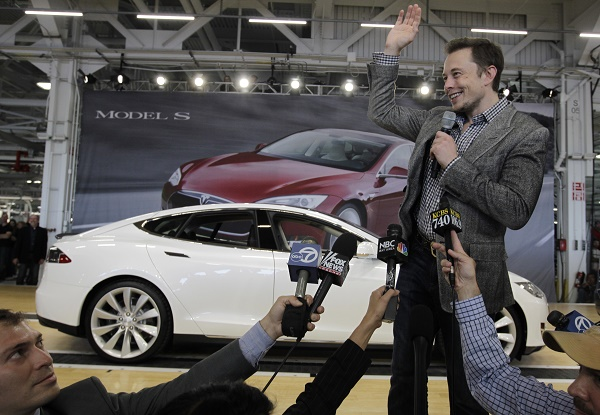 Elon Musk, an automotive pioneer with his California-based Tesla Motors. (© AP Images - source: share.america.gov)