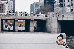 Freelance Travel Photographer | Cheonggyecheon Stream (청계천), Seoul.
