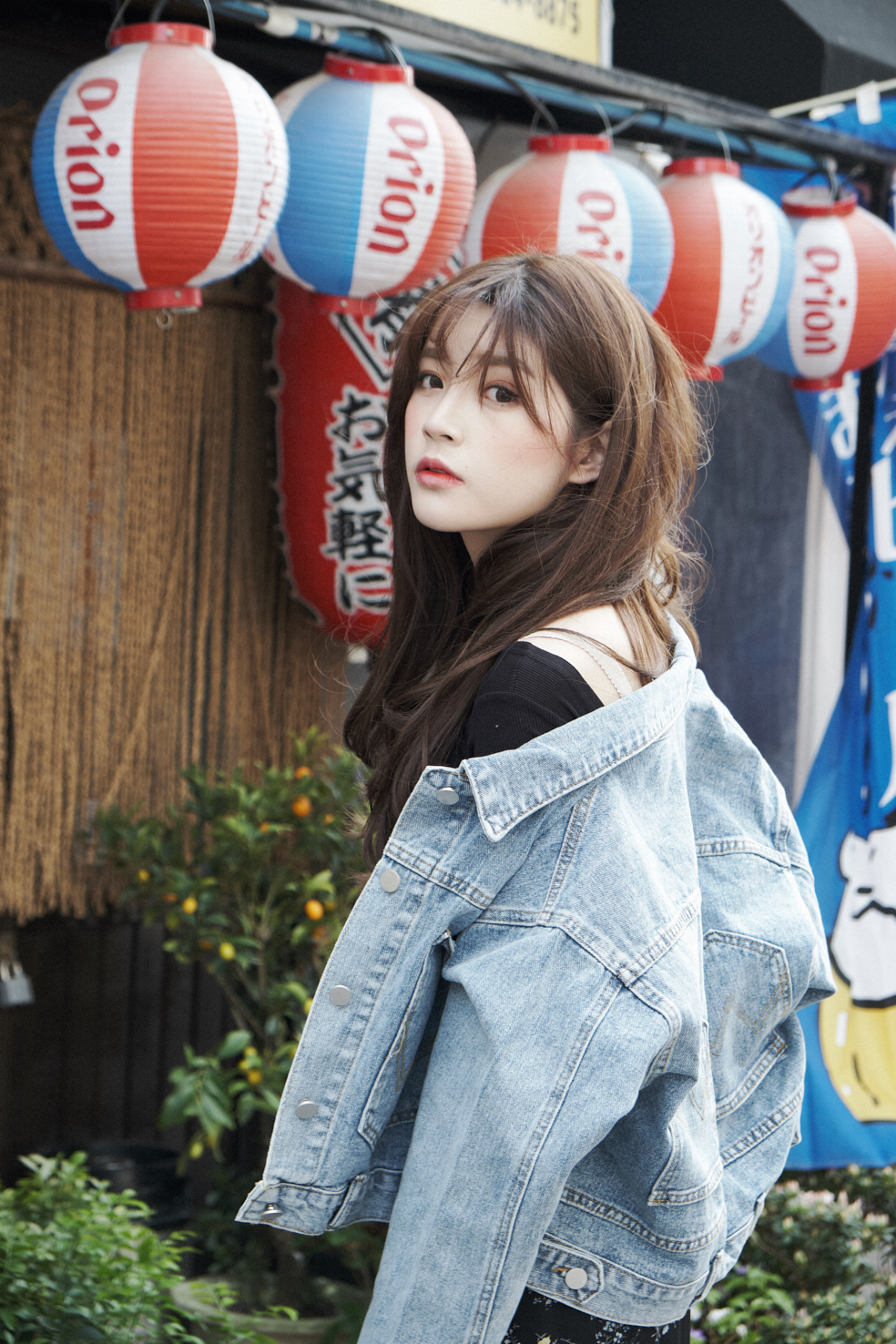 Seoul street fashion spring lookbook in Seoul South Korea