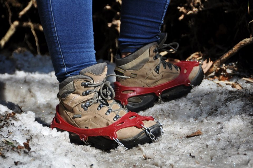 Hiking Mt Hallasan with crampons