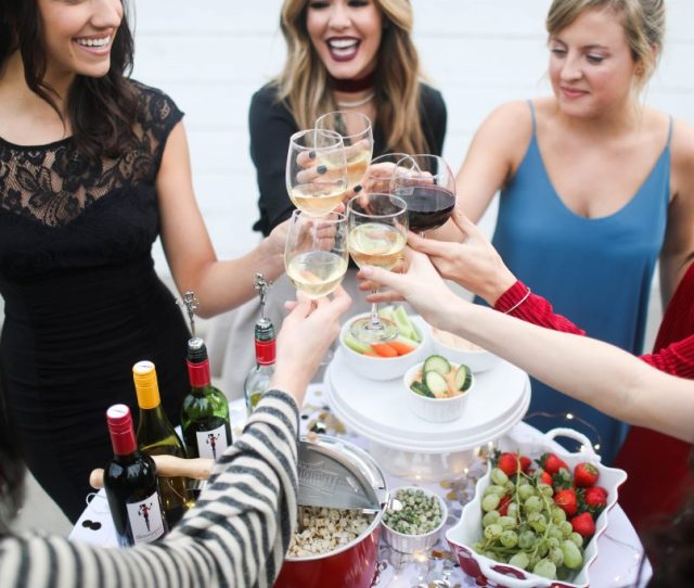 Party Event How To Entertain Sazan Hendrix Skinny Girl Cocktails