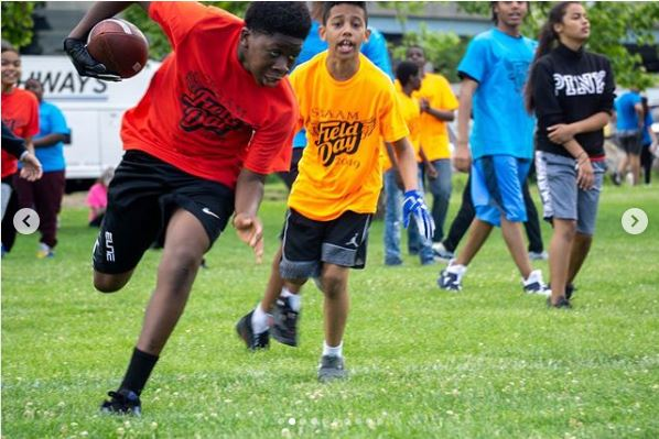 Check out some photos of our Scholars, staff and family at Randels Island for field day.
