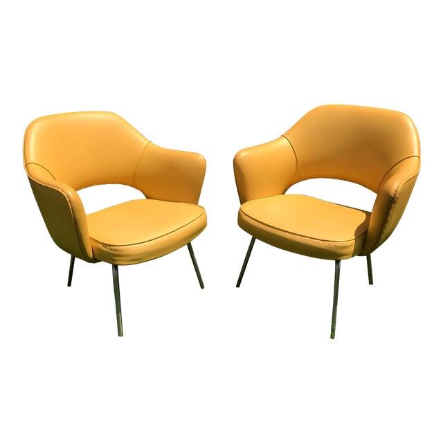 original-1950s-vintage-eero-saarinen-for-knoll-model-71-executive-armchairs-a-pair-0595