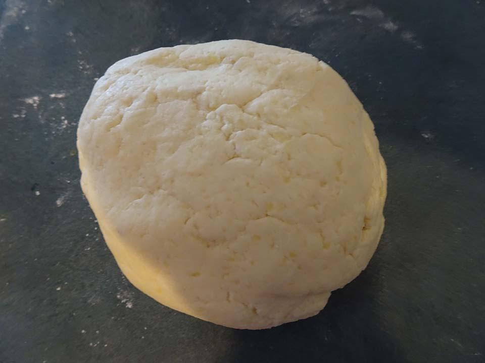 Savoury potato pastry