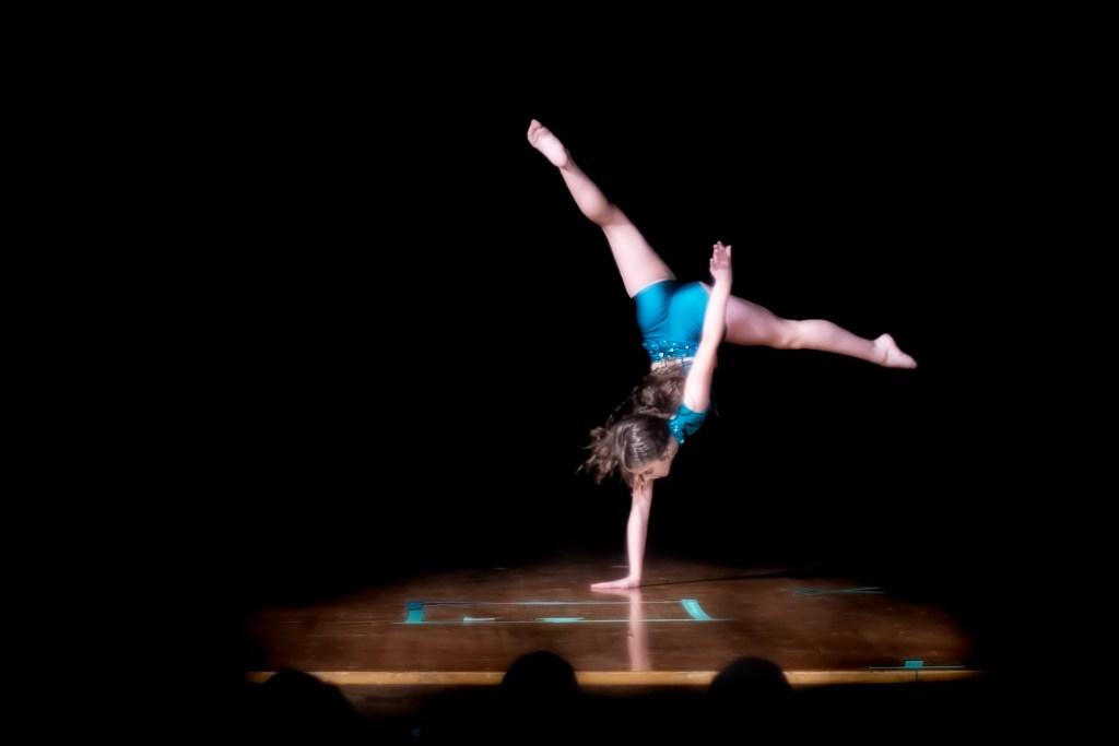 dance2019-17