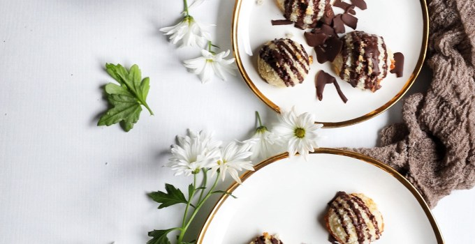 Lemon Almond Macaroons with Dark Chocolate Drizzle