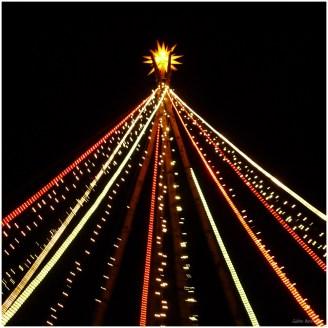 Lichterkettenpyramide