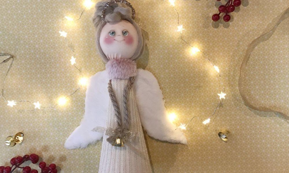 Comprare delle palline di polistirolo come queste trovate su amazon e del tulle del colore preferito per gli addobbi natalizi. Diy Angioletto Di Natale Di Polistirolo Spazio Battibaleno