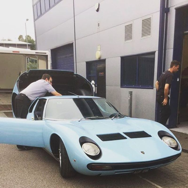 Miura turned up for an emergency appointment! #lamborghini #miura #sv #sbraceengineering #missfire