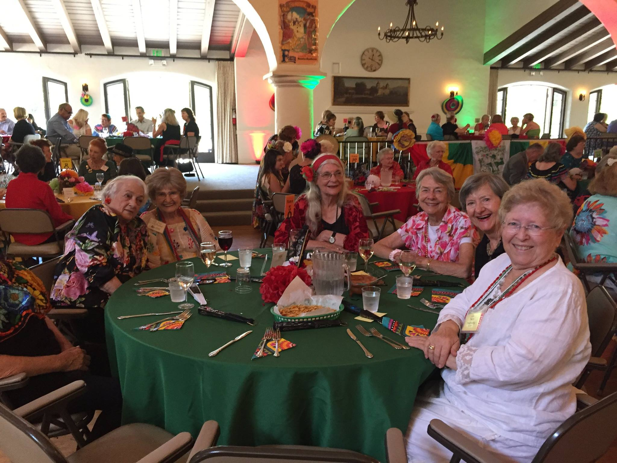 santa-barbara-womans-club-members-20