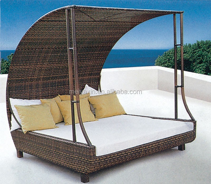 Fashion Outdoor Beach Swimming Pool Rattan Daybed With