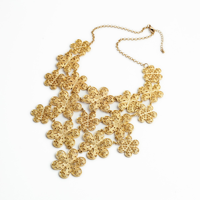 gold costume necklace 2015