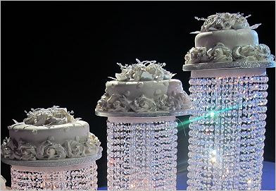 New Product Acrylic Crystal Chandelier Wedding Cake