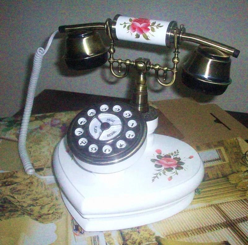 telephone portable ancien smartphone avec espace en bois a l ancienne buy bureau en bois antique telephone bureau en bois telephone drole maison