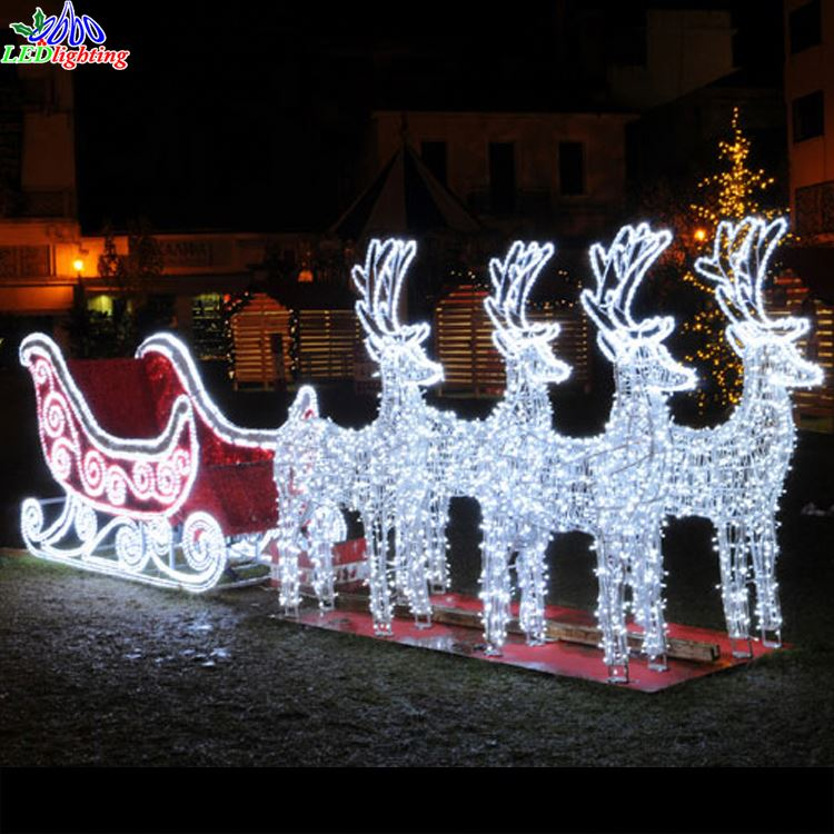 Santa Claus Lawn Decorations: Lighted Christmas Sleigh Decoration