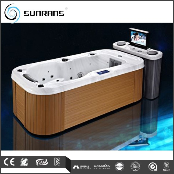 Hot Person Indoor Tub With Dvd - Bathtub Product