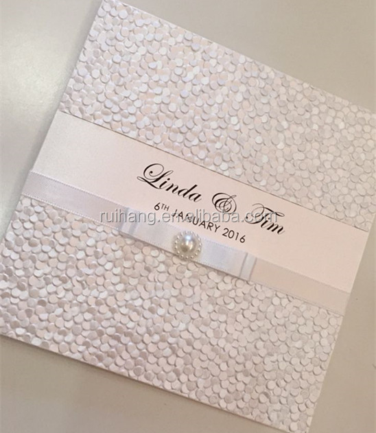 Elegant Pebbles Embossed White Wedding Invitations Cards With Silver Ribbon And Rhinestone Hight Quality Fast Shipping