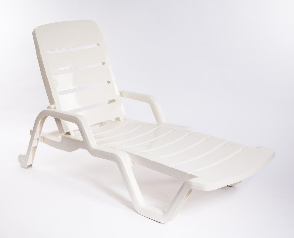 Plastic Lounge Chair White Plastic Pool Lounge Chair Leisure Sun Lounger Chair Beach Chair Furniture Dn 4010 Buy White Plastic Pool Lounge Chair Leisure Sun Lounger